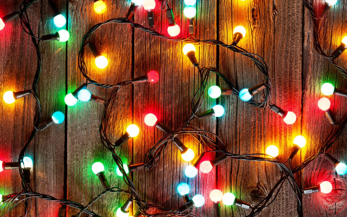 5 Important Holiday Roof Lighting Safety Tips